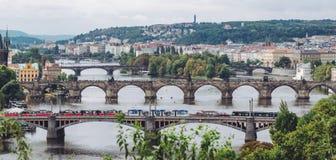Pontes, outono em Praga, República Checa Imagens de Stock
