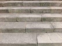 Pontevedra, Hiszpania; 08/09/2018: Stary kamienny schody, w górę i na dół, textured tło zdjęcia stock
