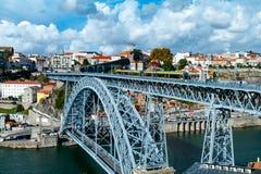 Ponti Di Don Luis Ι γέφυρα πέρα από το Duero ποταμό στο Πόρτο, Πορτογαλία Στοκ εικόνα με δικαίωμα ελεύθερης χρήσης