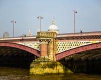 Ponti di Londra - la Gran Bretagna Fotografia Stock Libera da Diritti