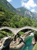 Ponti di Salti Valle Versazca Svizzera Fotografie Stock Libere da Diritti