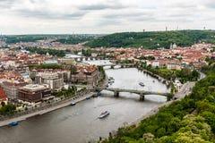 Ponti di vista o Praga sul fiume la Moldava Immagini Stock Libere da Diritti