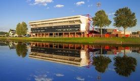 Ponti e riflessioni di Trent del fiume a Nottingham fotografia stock