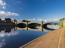 Ponti e riflessioni di Trent del fiume a Nottingham fotografie stock libere da diritti