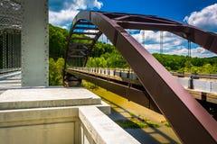 Ponti sopra il lago Raven Reservoir, a Baltimora, Maryland Fotografia Stock Libera da Diritti