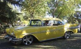 Pontiac восстановленное классикой желтое Laurentian Стоковые Изображения RF