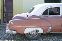 Pontiac Chieftain in Trinidad, Cuba Fotografie Stock Libere da Diritti