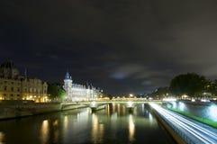 Ponticelli del Seine a Parigi Immagine Stock