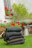 Ponticelli tradizionali del knit di Aran degli uomini all'aperto Immagine Stock Libera da Diritti