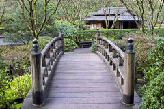 Ponticello al giardino giapponese fotografie stock