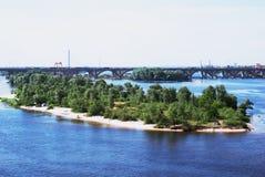 Ponticello attraverso il fiume di Dnipro Immagini Stock Libere da Diritti