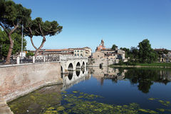 Ponticello del Tiberius. Rimini, Italia immagine stock