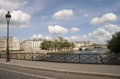 Ponticello della senna del fiume di Parigi della banca di sinistra Immagini Stock Libere da Diritti