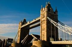 Ponticello della torretta di Londra - aperto Fotografia Stock