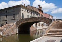 Ponticello delle spole. Comacchio. L'Emilia Romagna. L'Italia. immagine stock libera da diritti