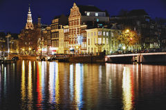 Ponticello di Amsterdam entro la notte Fotografia Stock Libera da Diritti