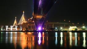 Ponticello di Bhumibol attraverso il fiume di Chao Phraya Immagine Stock
