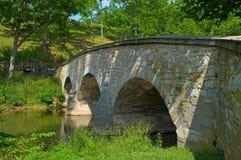 Ponticello di Burnside dal creekside Fotografia Stock Libera da Diritti