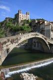 Ponticello di Dolceacqua e castello antichi di Doria immagini stock libere da diritti
