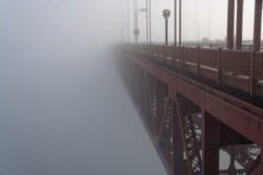 Ponticello di Goldengate in nebbia Immagine Stock Libera da Diritti
