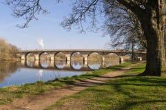 Ponticello di Hexham e percorso della riva del fiume Fotografie Stock Libere da Diritti