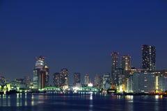 Ponticello di Kachidoki e fiume di Sumida a Tokyo, Giappone fotografia stock