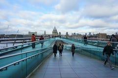 Ponticello di millennio, Londra Fotografie Stock Libere da Diritti