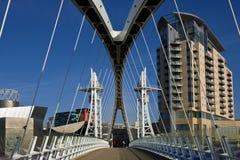 Ponticello di millennio - Manchester - Inghilterra immagini stock