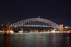 Ponticello di porto di Sydney alla notte Fotografie Stock Libere da Diritti