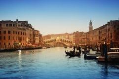 Ponticello di Rialto, Venezia - Italia fotografie stock libere da diritti