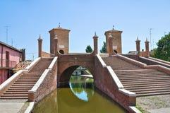Ponticello di Trepponti. Comacchio. L'Emilia Romagna. L'Italia Fotografia Stock