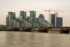Ponticello di Vauxhall, fiume Tamigi, Londra Immagine Stock Libera da Diritti