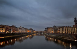 Ponticello di vechio di Firenze Ponte alla notte Fotografia Stock