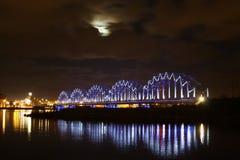 Ponticello e fiume della luna Fotografie Stock Libere da Diritti
