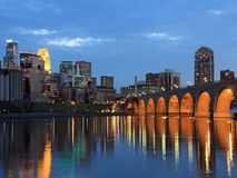 Ponticello e fiume Mississippi di pietra dell'arco Immagine Stock Libera da Diritti