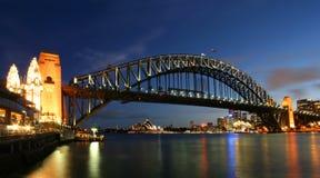 Ponticello e Teatro dell'Opera di porto di Sydney Fotografia Stock