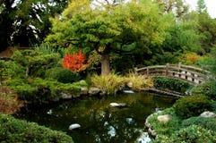 Ponticello giapponese del giardino fotografie stock