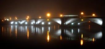 Ponticello in nebbia Immagine Stock