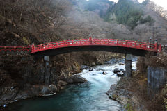 Ponticello sacro di colore rosso del Giappone Fotografia Stock Libera da Diritti