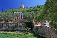 Ponticello sopra il fiume di Darro, Granada Fotografia Stock