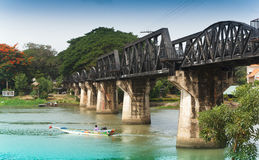 Ponticello sopra il fiume Kwai. Immagini Stock