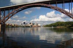 Ponticello sopra il fiume Mississippi Immagini Stock Libere da Diritti
