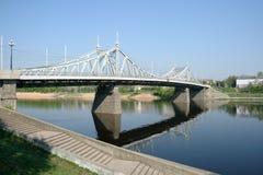 Ponticello sopra Volga in Tver Immagini Stock Libere da Diritti