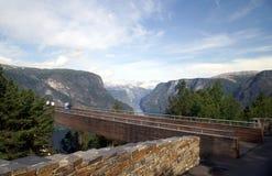 Ponto da vigia acima de Aurlandsfjord Fotografia de Stock Royalty Free