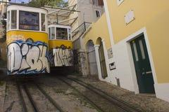 Ponto de interseção dos dois teleféricos de Lavra em Lisboa Fotos de Stock Royalty Free