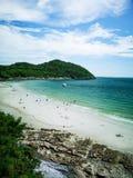 Ponto de Jhakhrapong (extremidade de Tham Pang Point) praia famosa em Sich Foto de Stock Royalty Free