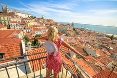 Ponto de vista do turista de Lisboa foto de stock royalty free
