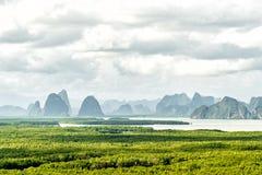 ponto de vista Sa-encontrado-nang-shee O ponto de vista o mais famoso para ver o mar, a montanha e a floresta de Andaman na proví Fotografia de Stock Royalty Free