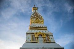 Ponto do templo ao céu azul Fotografia de Stock Royalty Free