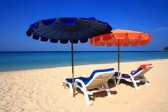 Ponto intermediário claro da praia do céu à praia foto de stock royalty free